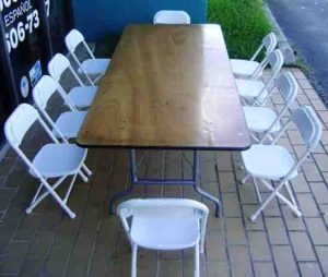 White metal chairs with a rectangular wodden table