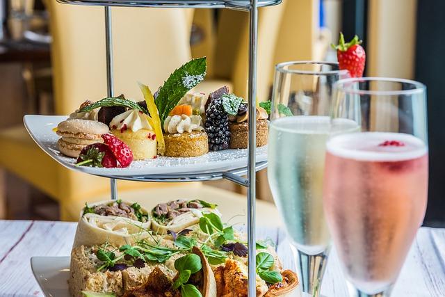 Wedding-anniversary-food-and-drinks-tips