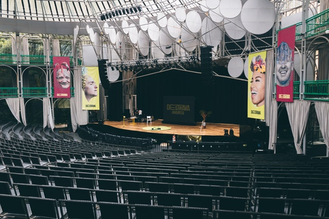 auditorium-chairs-empty-capacity