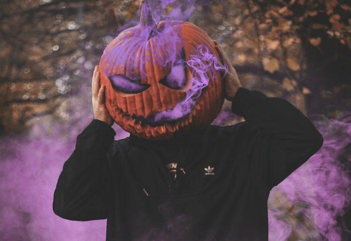 Halloween costume pumkin head
