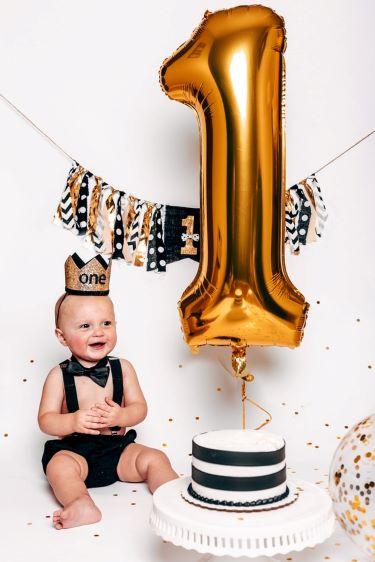 Baby 1st birthday party cake