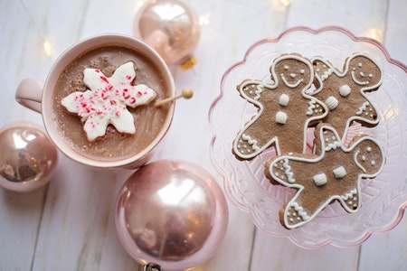 hot cocoa bar and cookies